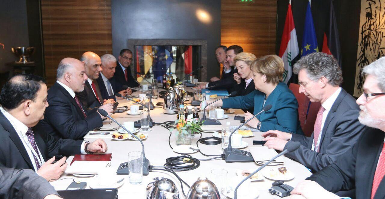 İbadi Almanya Başbakanı Merkel İle Bir Araya Geldi