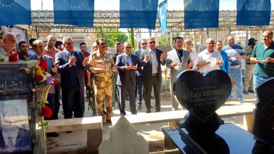 Lider Salihi Türkmen Şehitlerini Mezarları  Başında Andı