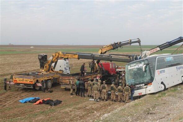 Silopi'de Telaferlileri Taşıyan Otobüs Devrildi: 9 Ölü