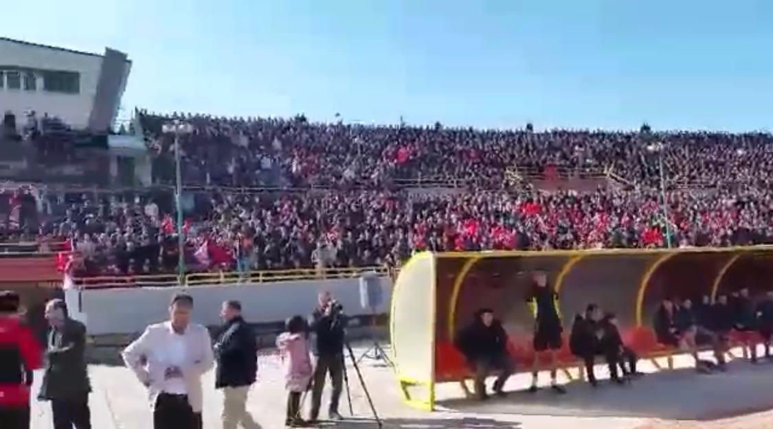 İran'lı Kürt Taraftarlardan Emniyet Güçleri Önünde Türkiye'ye Ölüm Sloganı