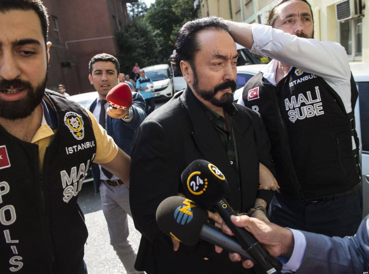 İstanbul Polisinden Adnan Oktar'a Büyük Operasyon
