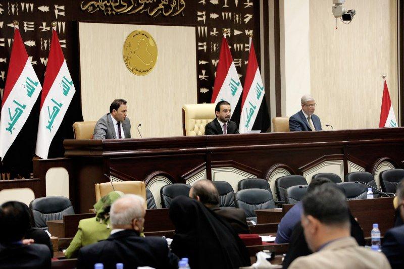 Irak Parlamentosu 8 Bakanlığın Güvenoyu İçin Toplandı