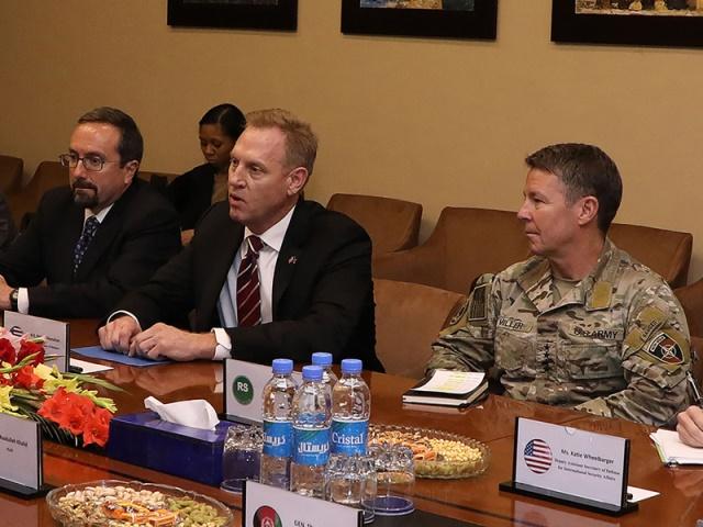ABD Savunma Bakanı Bağdat'ta